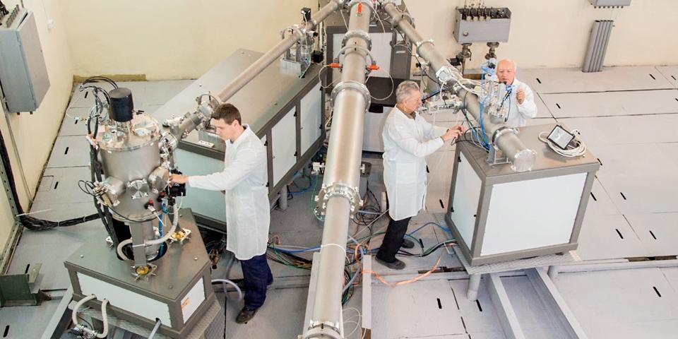Ускоритель заряженных частиц тандетрон в ФЭИ
