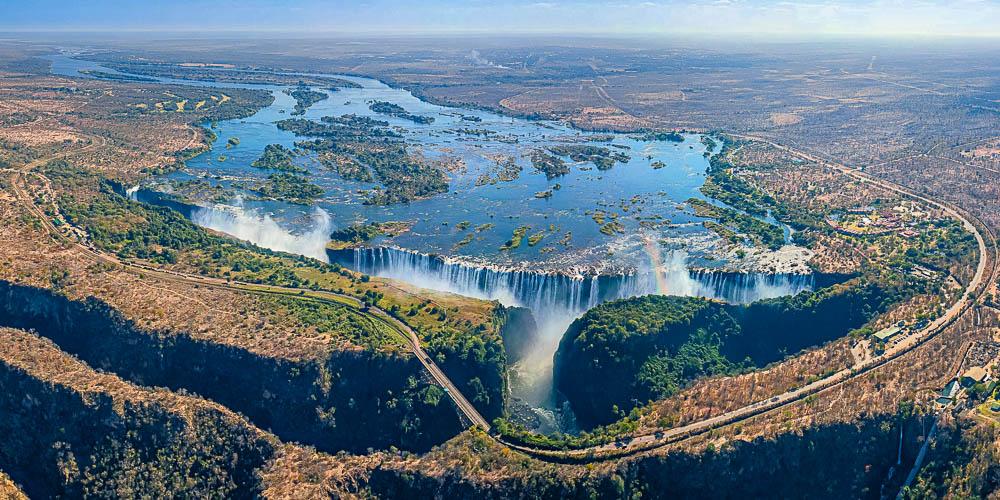 Водопад Виктория награнице Замбии иЗимбабве