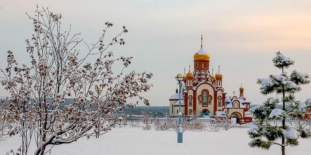 Храм Преподобного Серафима Саровского — одна изглавных достопримечательностей Зеленогорска