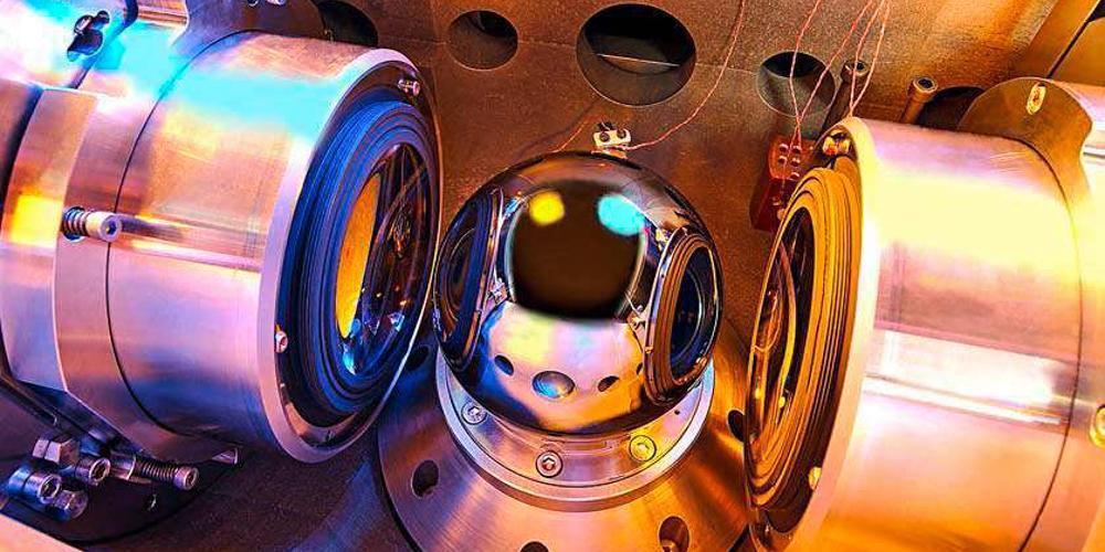 С помощью сферы из кремния 28 уточнили число Авогадро