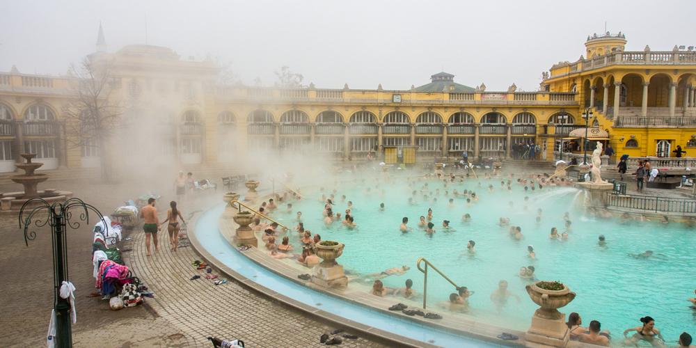 Посещение открытых Сеченских купален зимой производит незабываемое впечатление